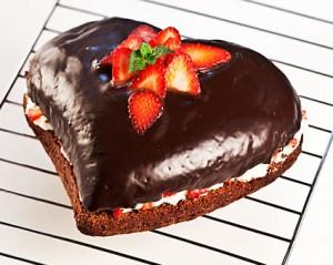 Čokoládová torta s jahodami